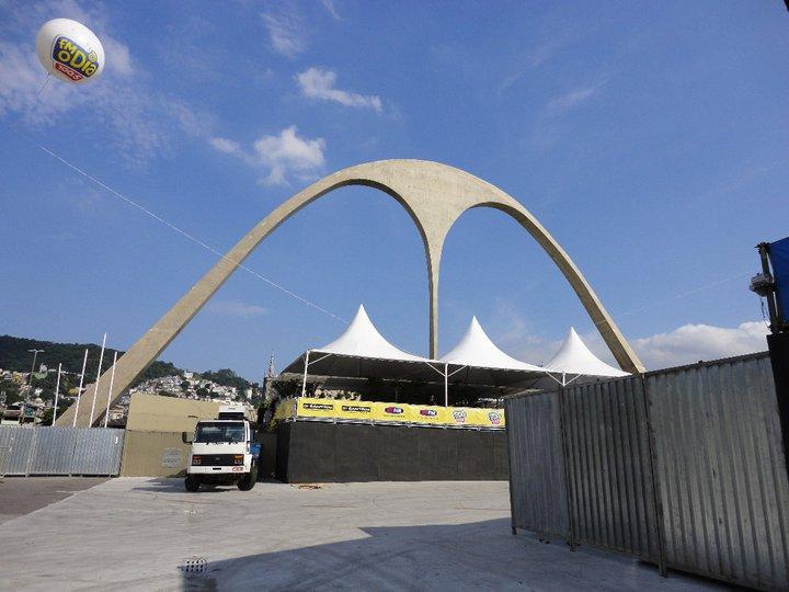 リオのカーニバルの開催場所「サンボードロモ」のアクセスと治安情報