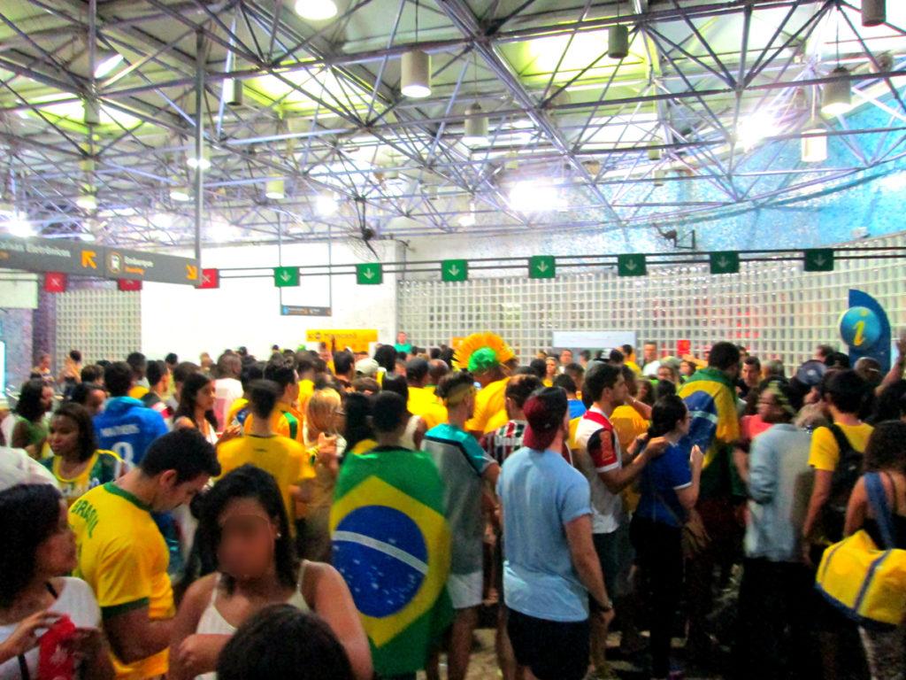 【ミネイロンの惨劇】ドイツvsブラジル7対1の現地レポ | 暴動あり