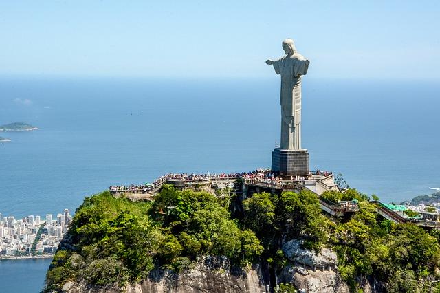 リオデジャネイロのキリスト像はなぜ&どうやって作られた?意味や歴史を解説