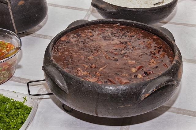 フェジョアーダとは?ブラジル豆料理の本場レシピを元在住者が解説
